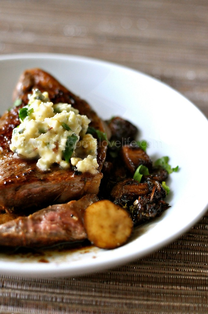 Do you have 20 minutes? Do you have one medium-large skillet or sauté pan? Then guess what? You have everything you need to make this savory steak with gorgonzola butter and mushrooms! #steak #grilled #steakhouse #beef #recipe #dinner