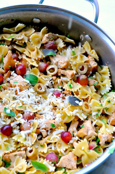 bow tie pasta with grapes, chicken, and olives