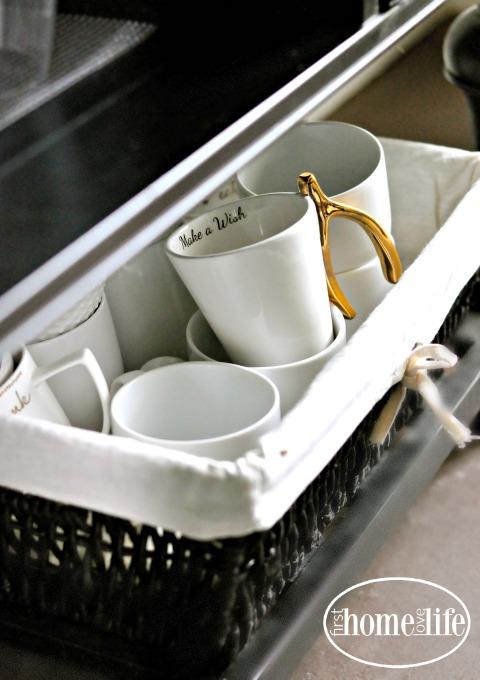 gold and white coffee mug via firsthomelovelife.com