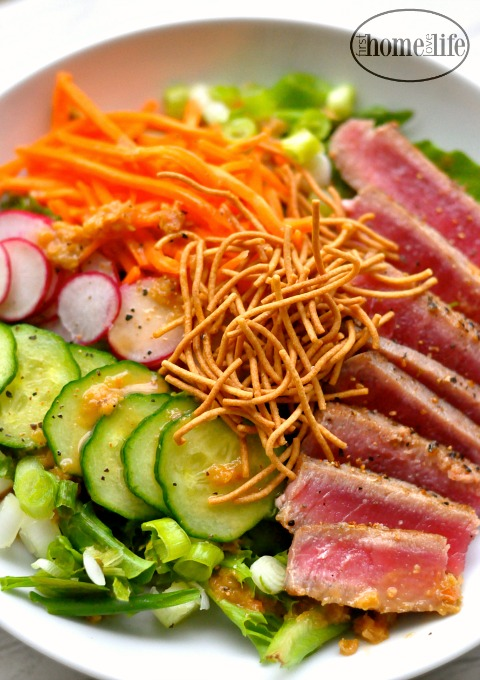 seared ahi tuna salad via firsthomelovelife.com