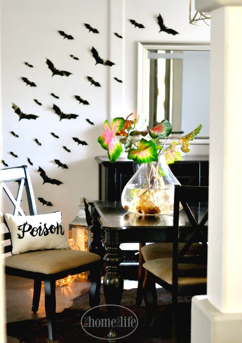 dining-room-halloween-decorations-via-firsthomelovelife-com