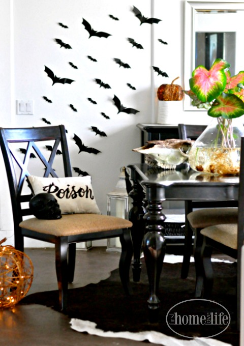 halloween-dining-room-decor-via-firsthomelovelife-com