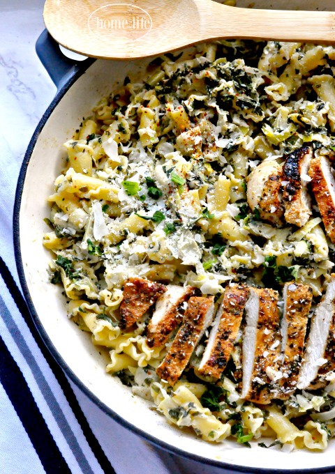 creamy-spinach-artichoke-dip-pasta-with-grilled-chicken-via-firsthomelovelife-com