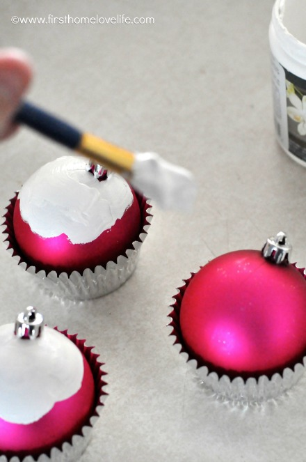cute DIY Christmas cupcake ornaments