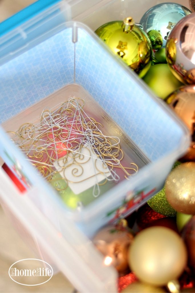 Christmas storage solutions - how to organize your Christmas ornaments via firsthomelovelife.com